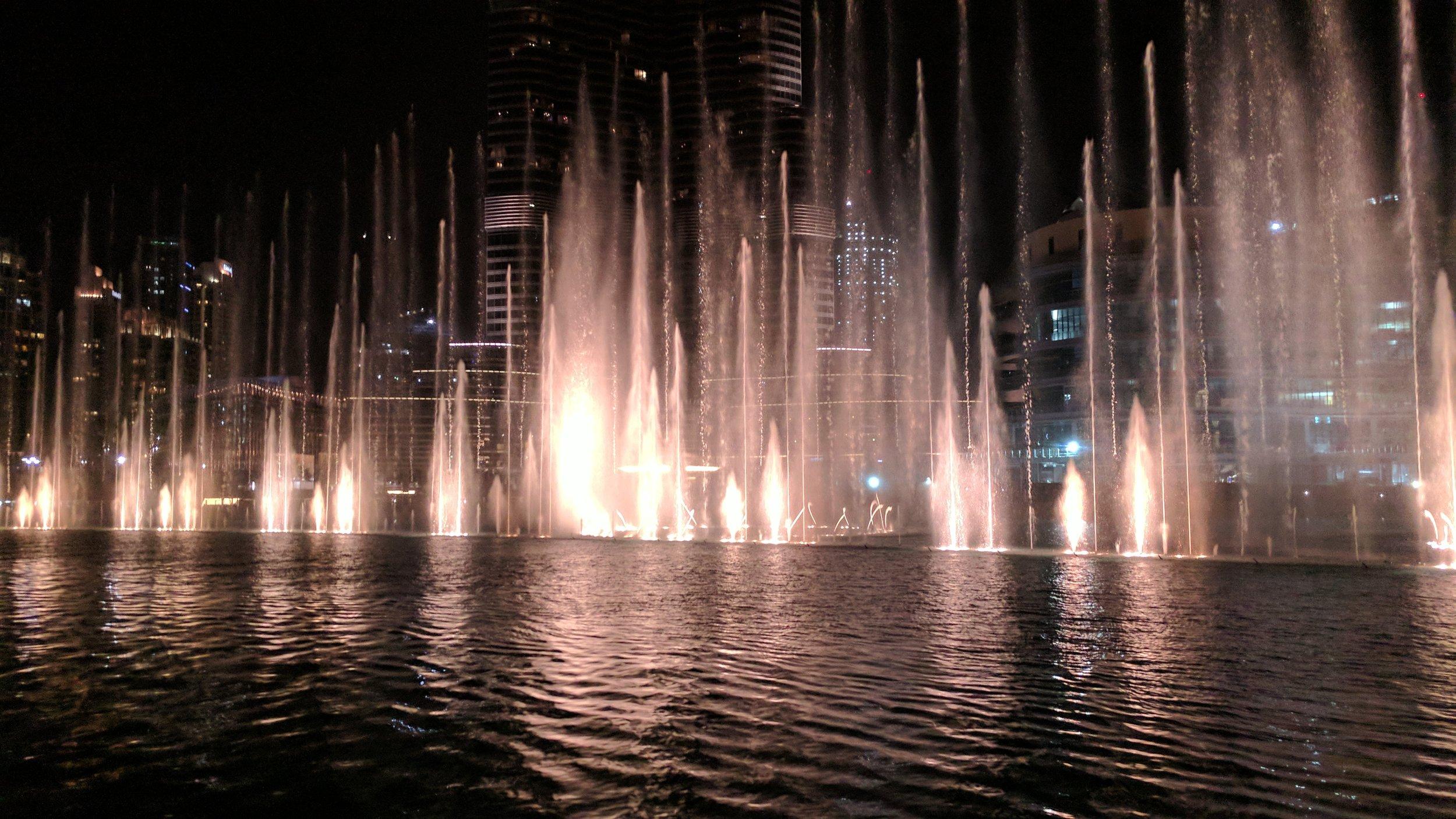 Dubai Fountain (5).jpg