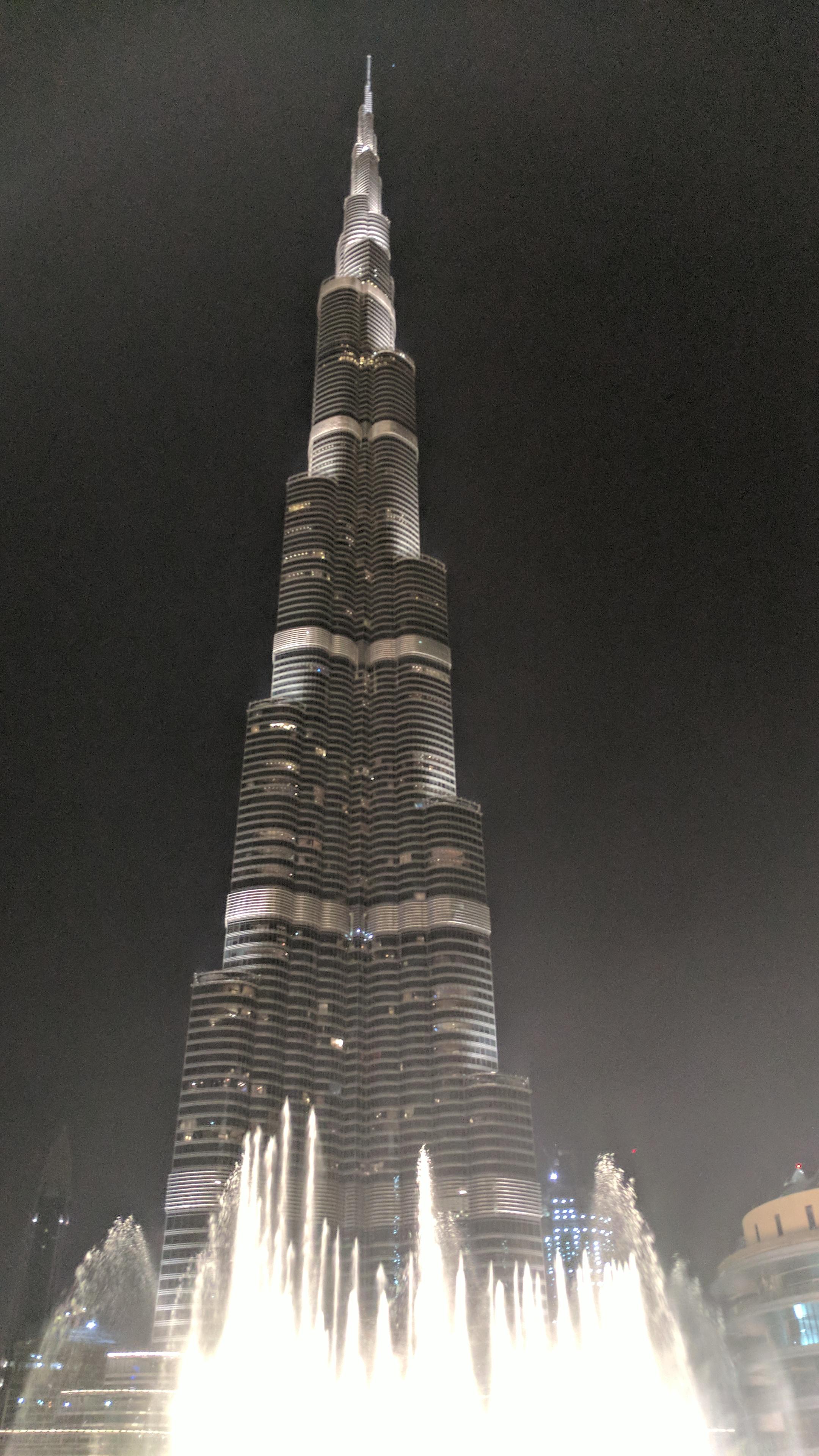 Dubai Fountain (1).jpg