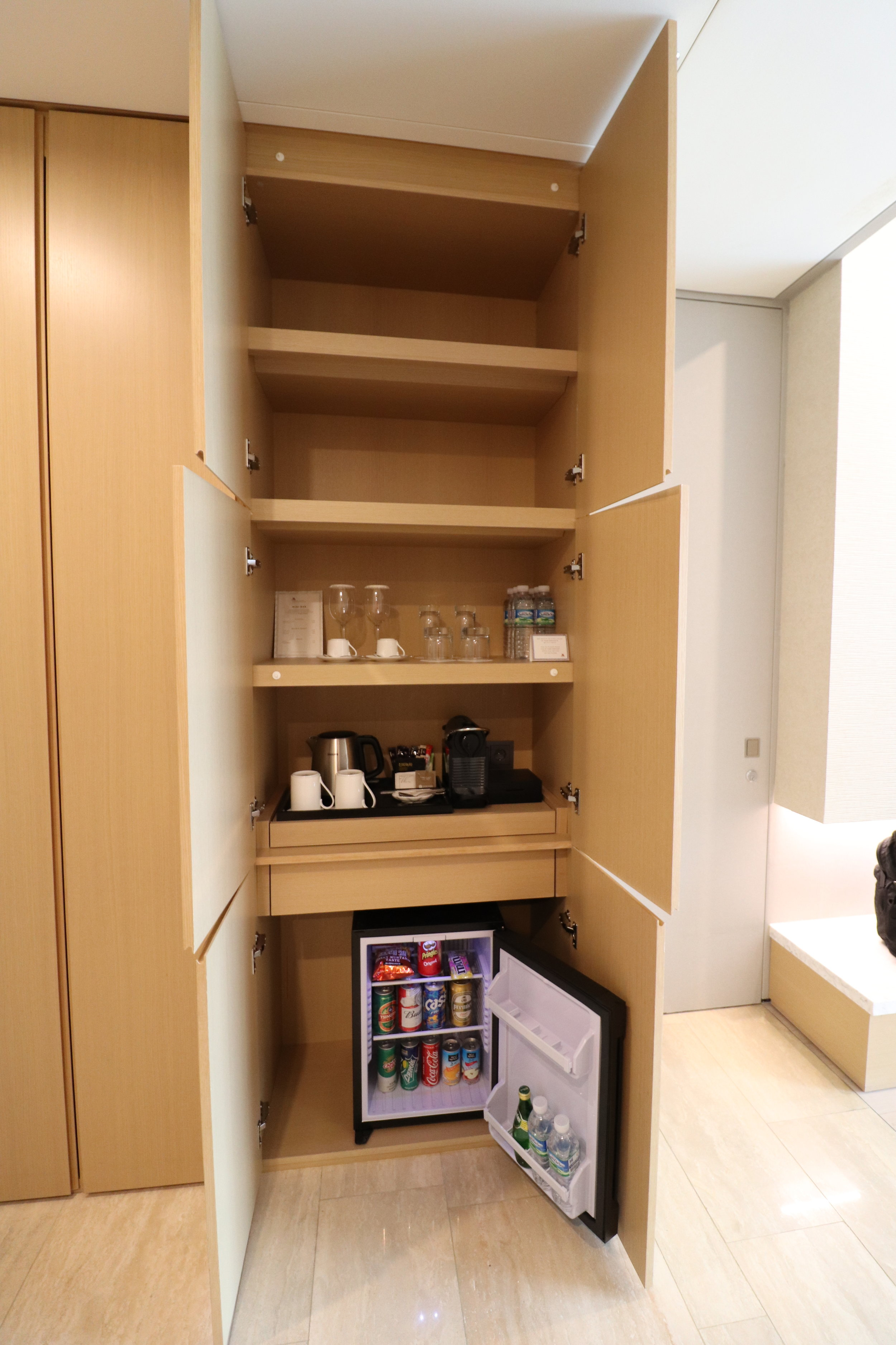 Entry Closet / Drinks / Minibar
