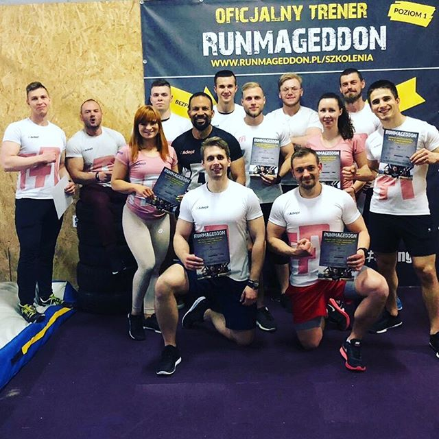 Dobre wieści! Jest moc 💥 14 naszych specjalistów zostało Oficjalnymi Trenerami Runmageddonu! Nie straszne im przeszkody, błoto i batalie o najlepsze wyniki. Jeśli chcesz się przygotować do najlepszych w kraju biegów, zrób to z nami 💪#runmageddon #trener #biegi #szkolenie #personaltrainer #sport #💪#runmageddontraining