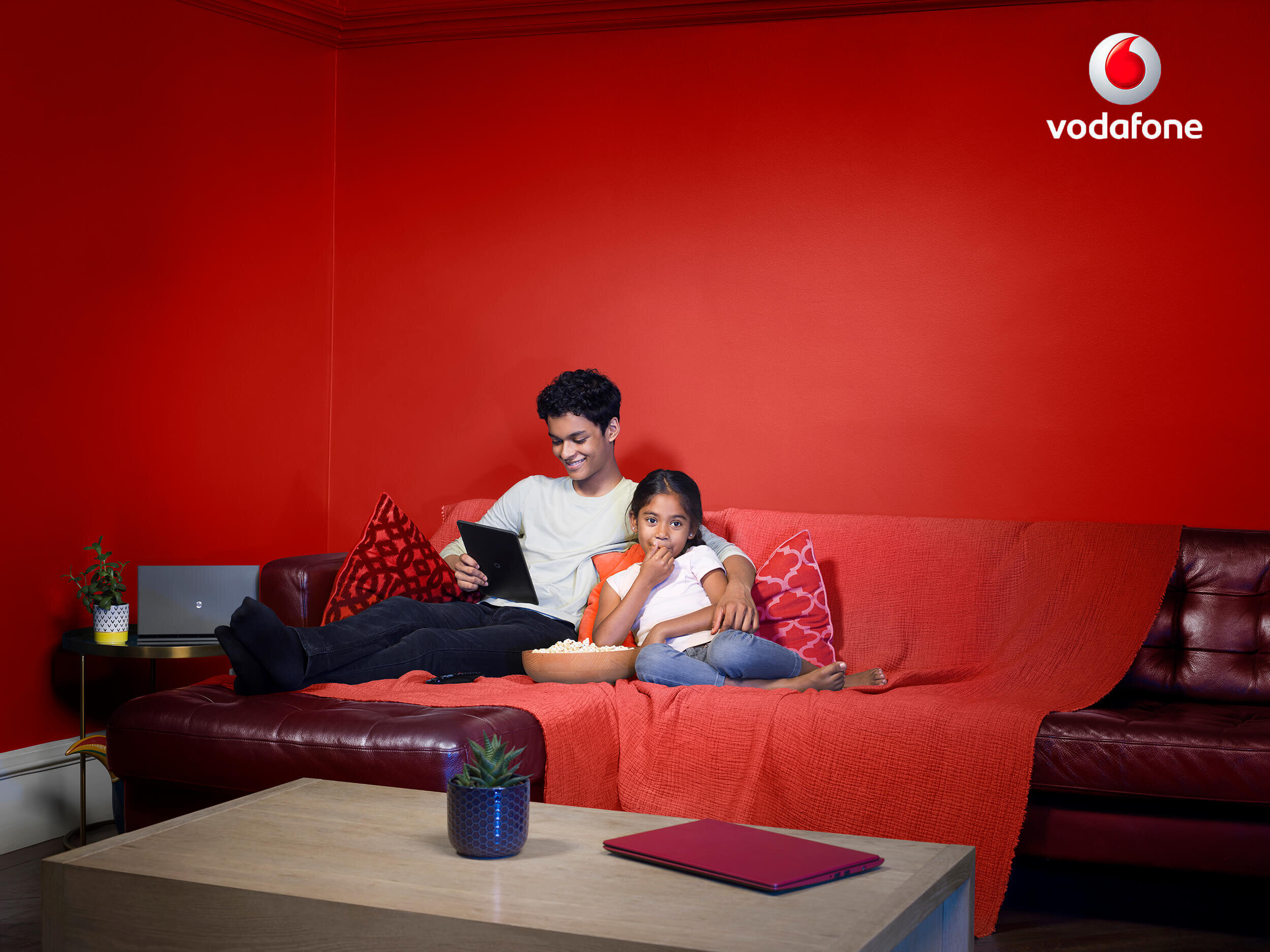 7883-Vodafone_Day-2-1003-LOUNGE_v1 copy.jpg