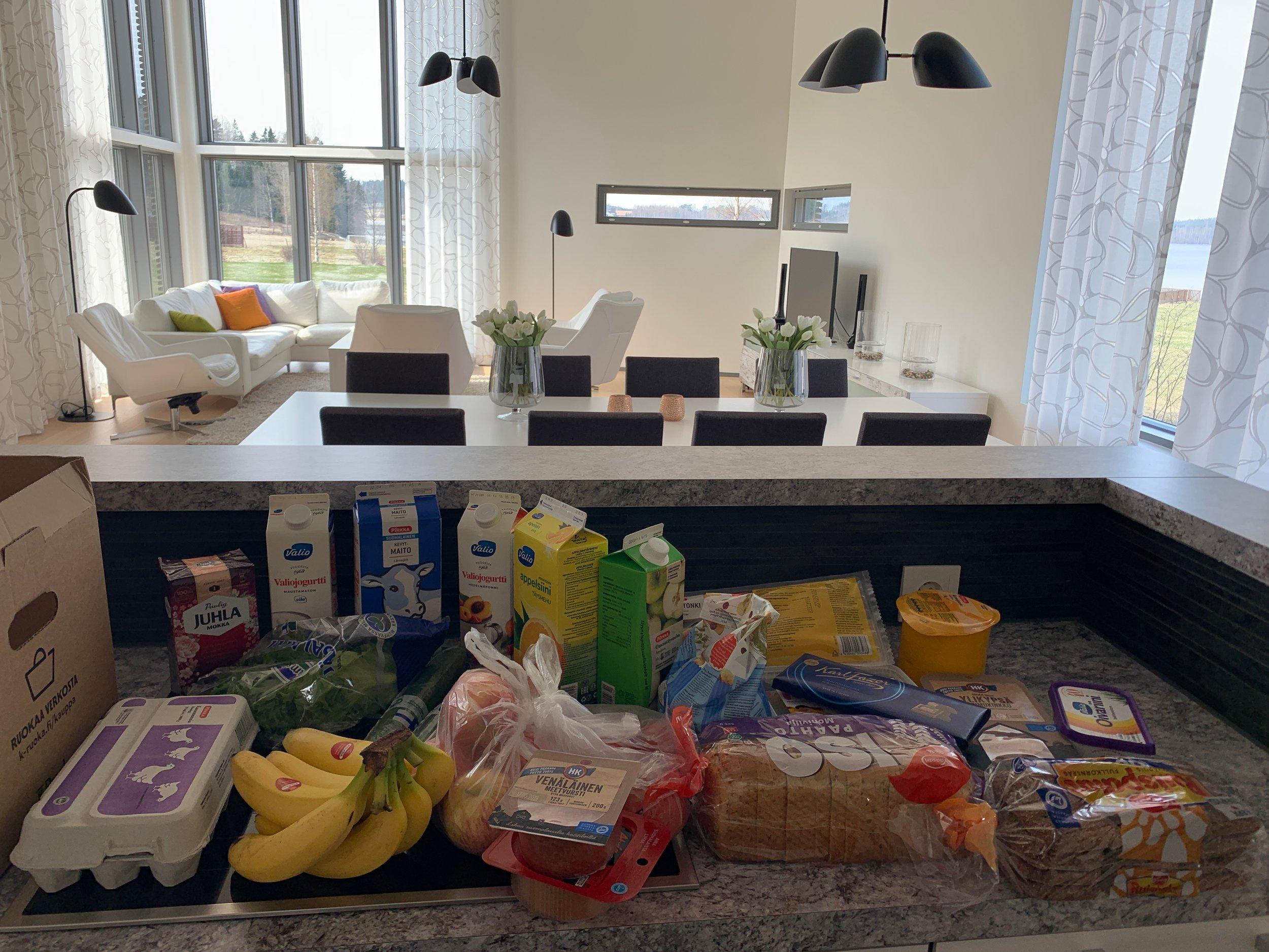 K-Supermarket Vieremän lahjoittamat ruoat.