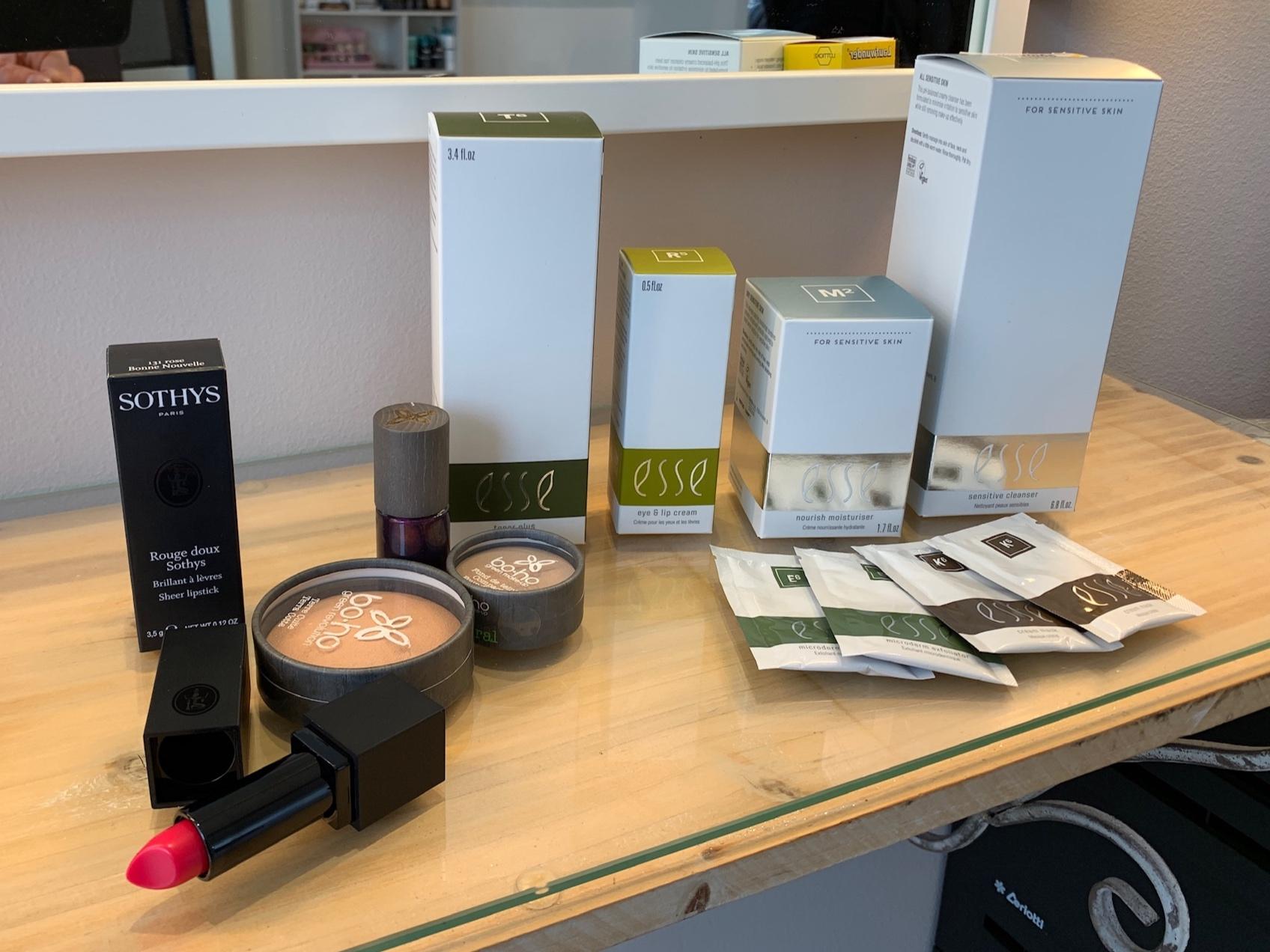 Esse lahjoitti äidille ihonhoitotuotteet, Boho meikit.