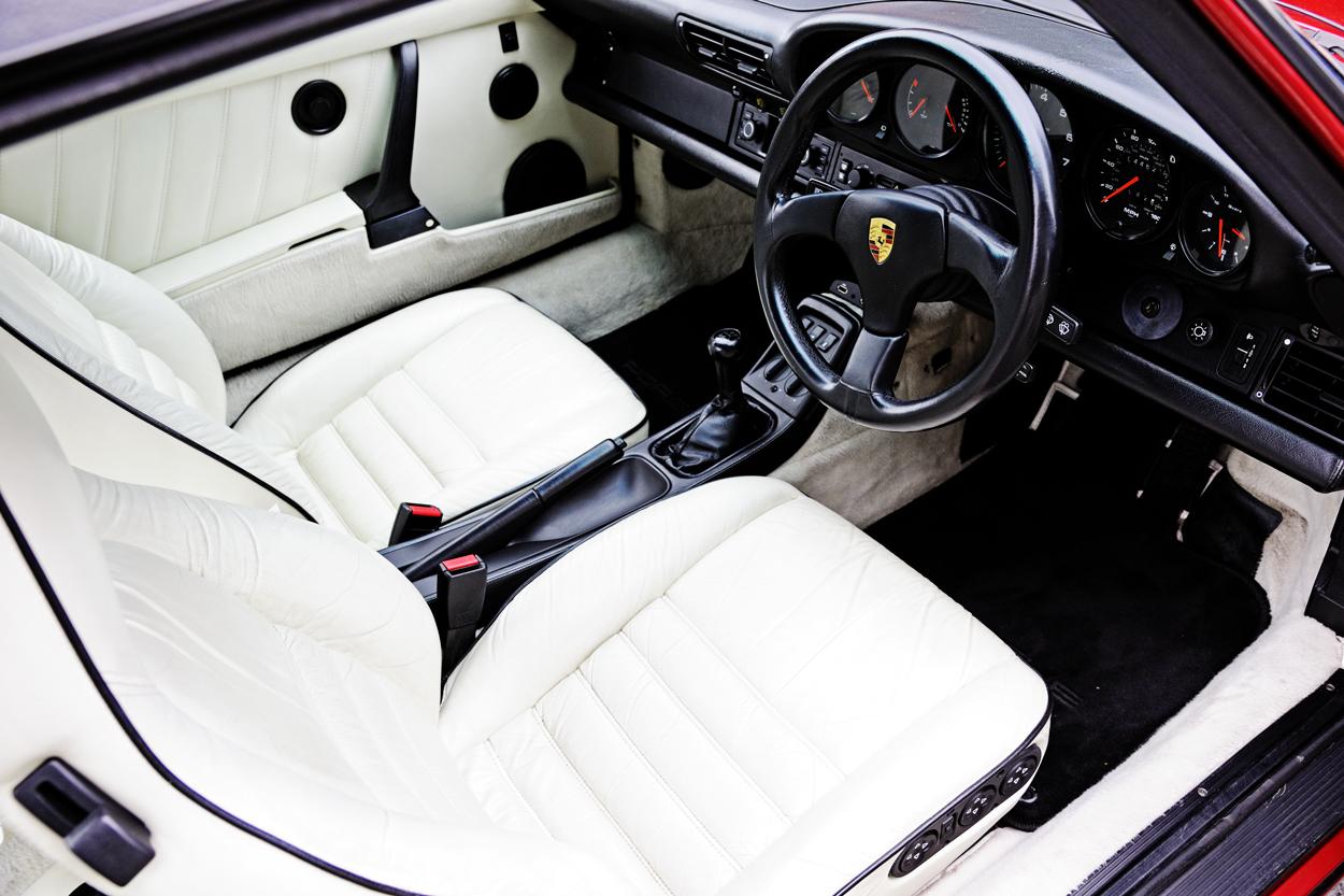 Porsche-Targa-White-interior.jpg