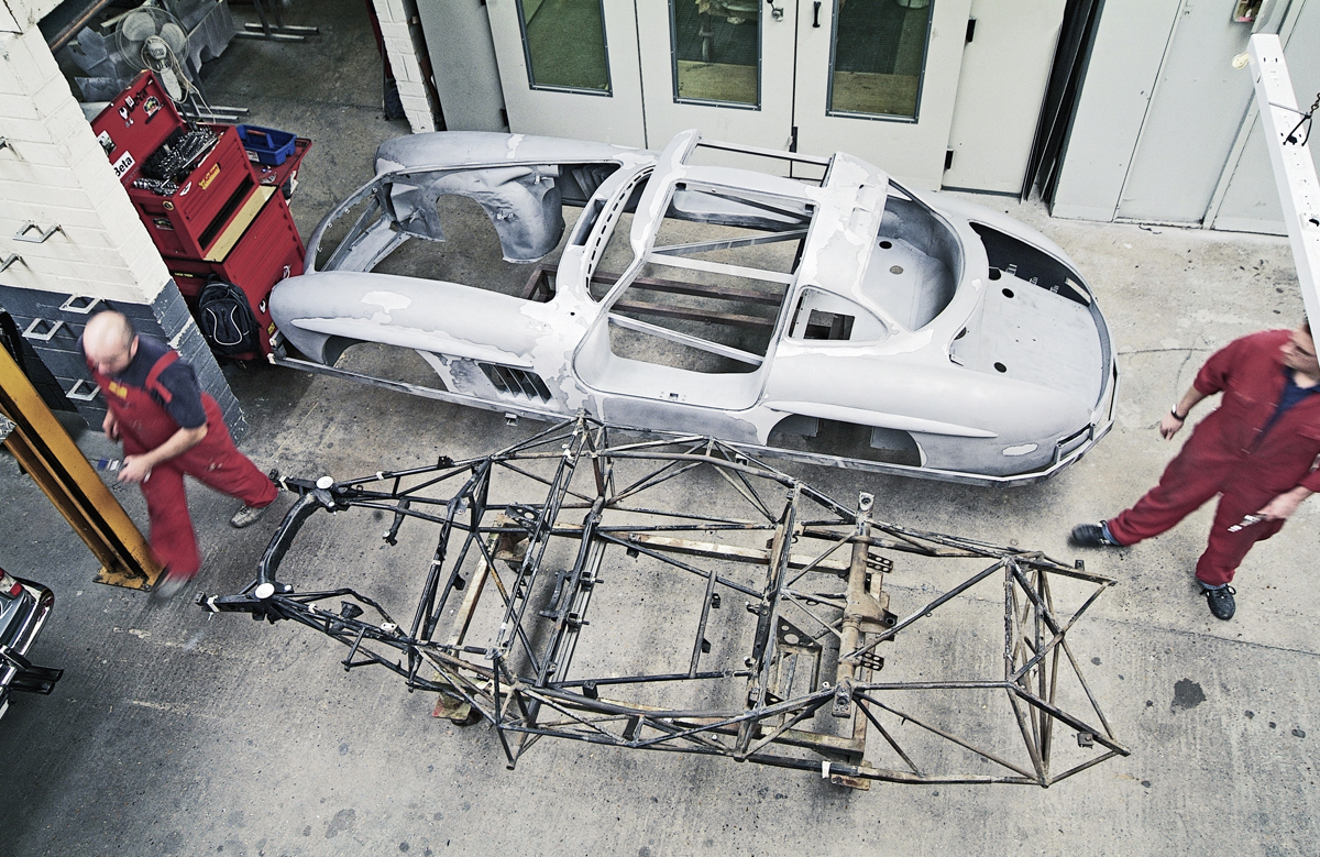 One of the riskiest operations was lifting the bodyshell off the tubular chassis. If the body was rotten, there was a risk it could bend under its own weight. Fortunately it didn't...