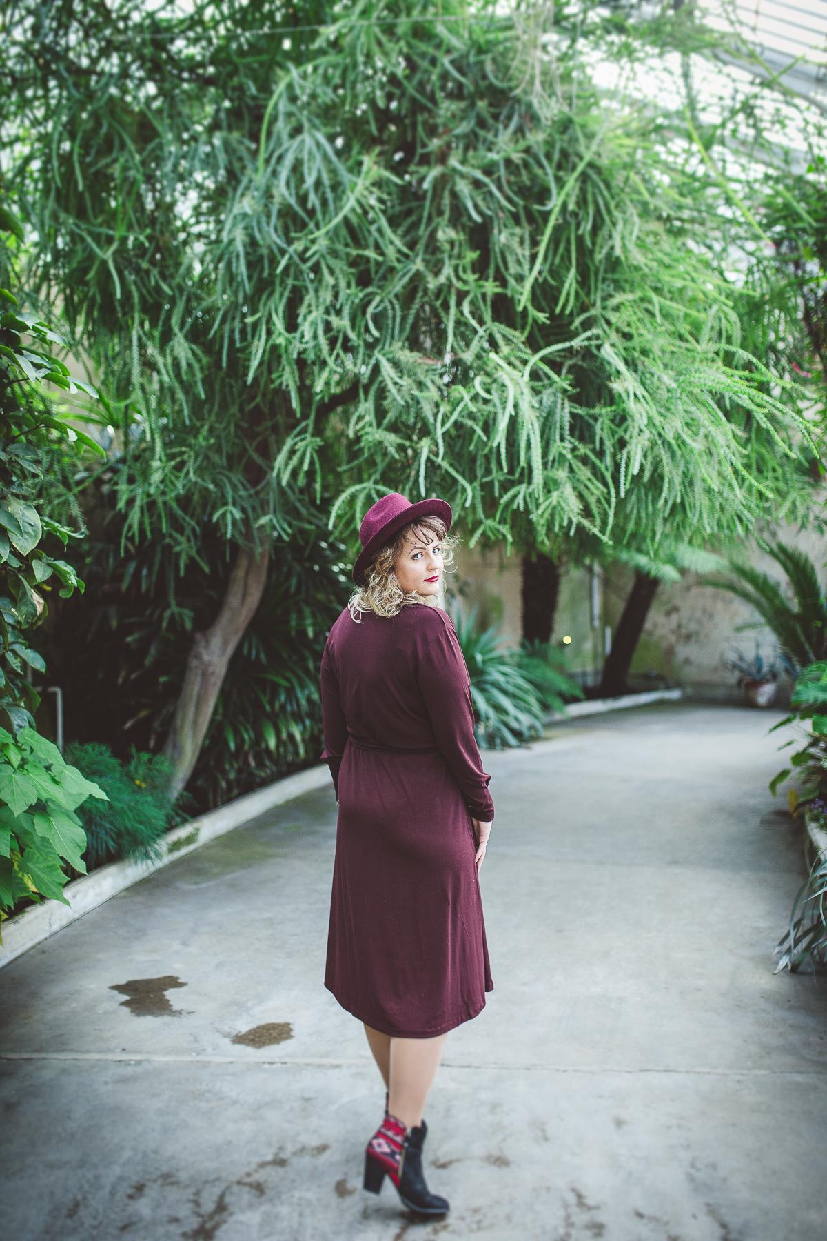 Eva Design walking portrait in Syon Botanical Garden