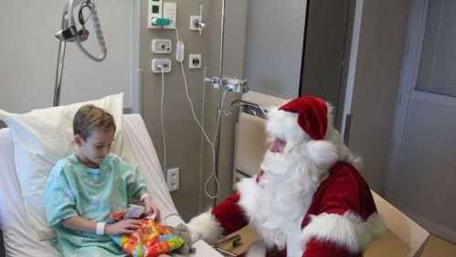 Vlaamse-Kinderliga-Kerstman-Jan-Ypermanziekenhuis-te-Ieper-16.jpg