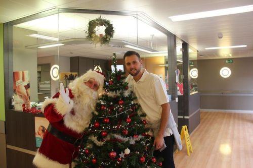 Vlaamse-Kinderliga-Kerstman-Jan-Ypermanziekenhuis-te-Ieper-69.jpg