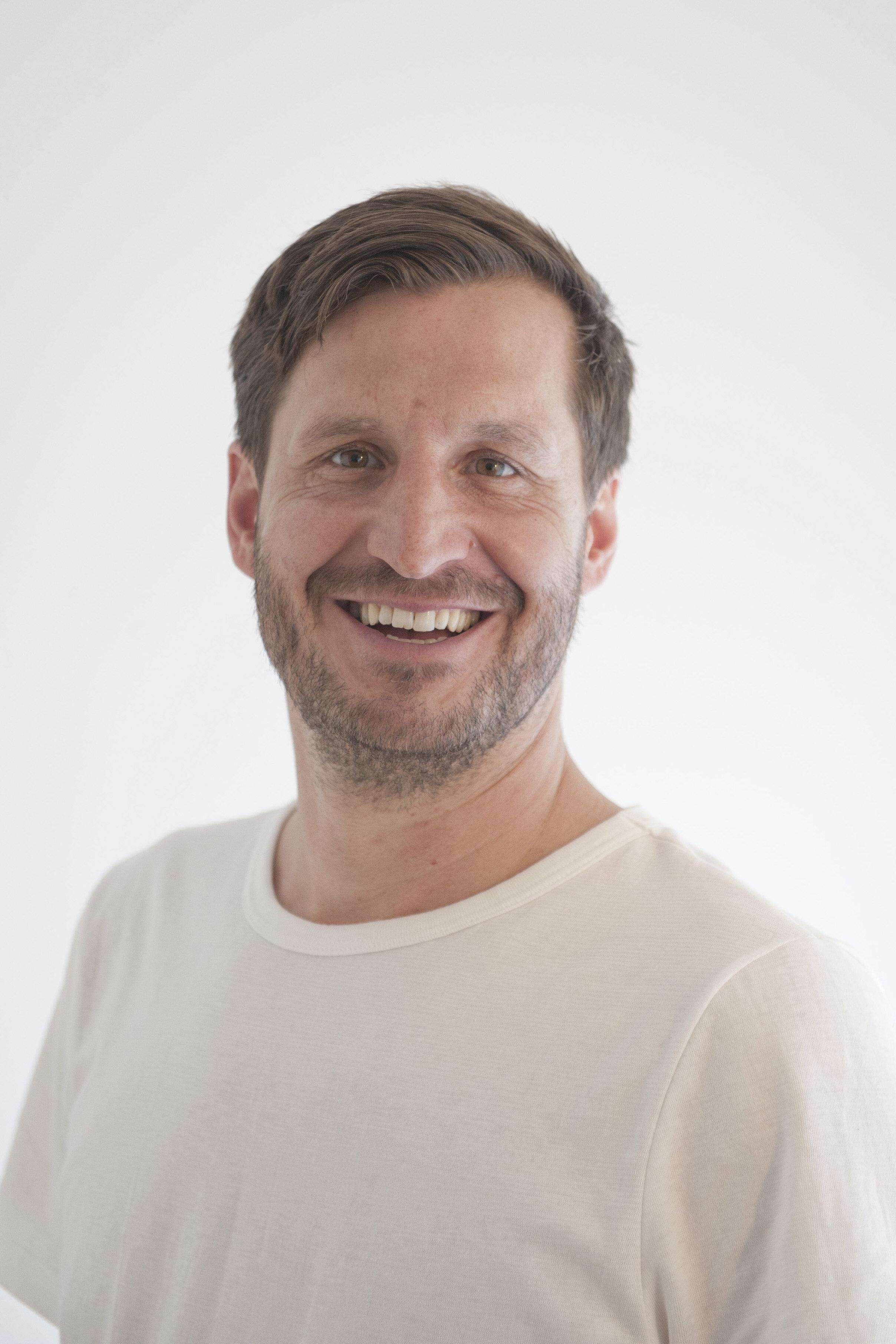 Nicolai Loboda / Gründer / Sportphysiotherapie / kPNI