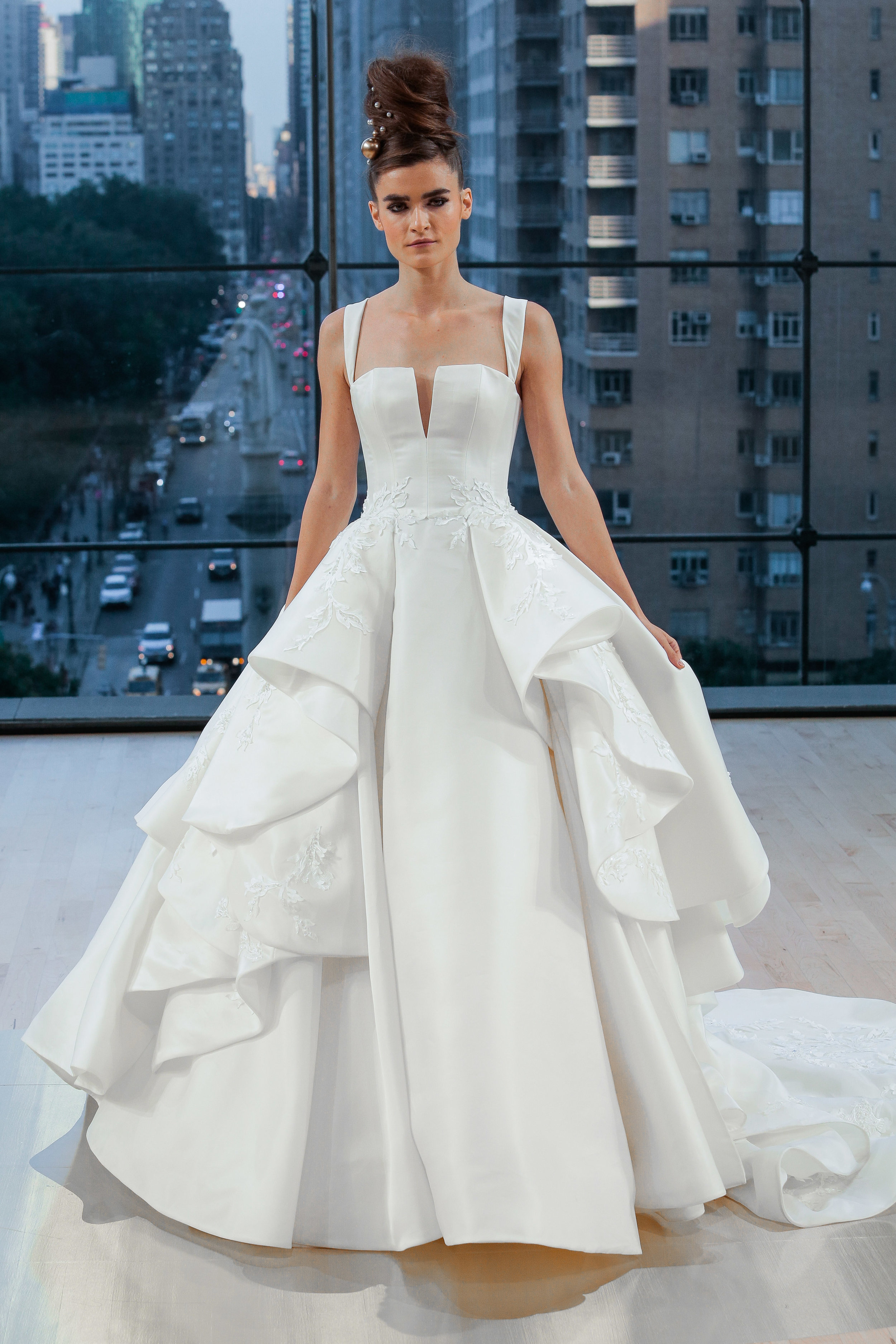 Bridal Fall 2018 Couture   FULTON    INQUIRE