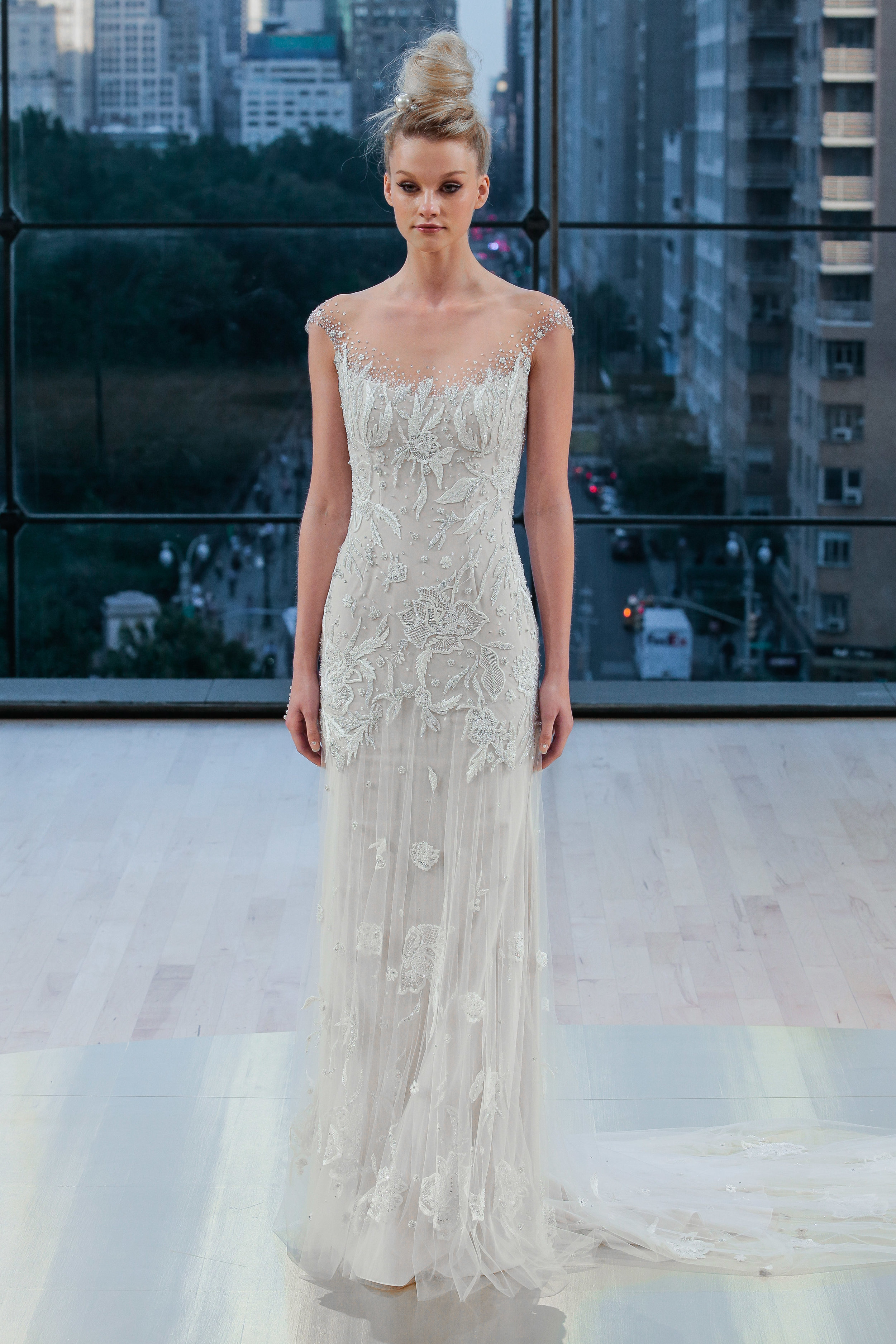 Bridal Fall 2018 Couture   DAKOTA    INQUIRE
