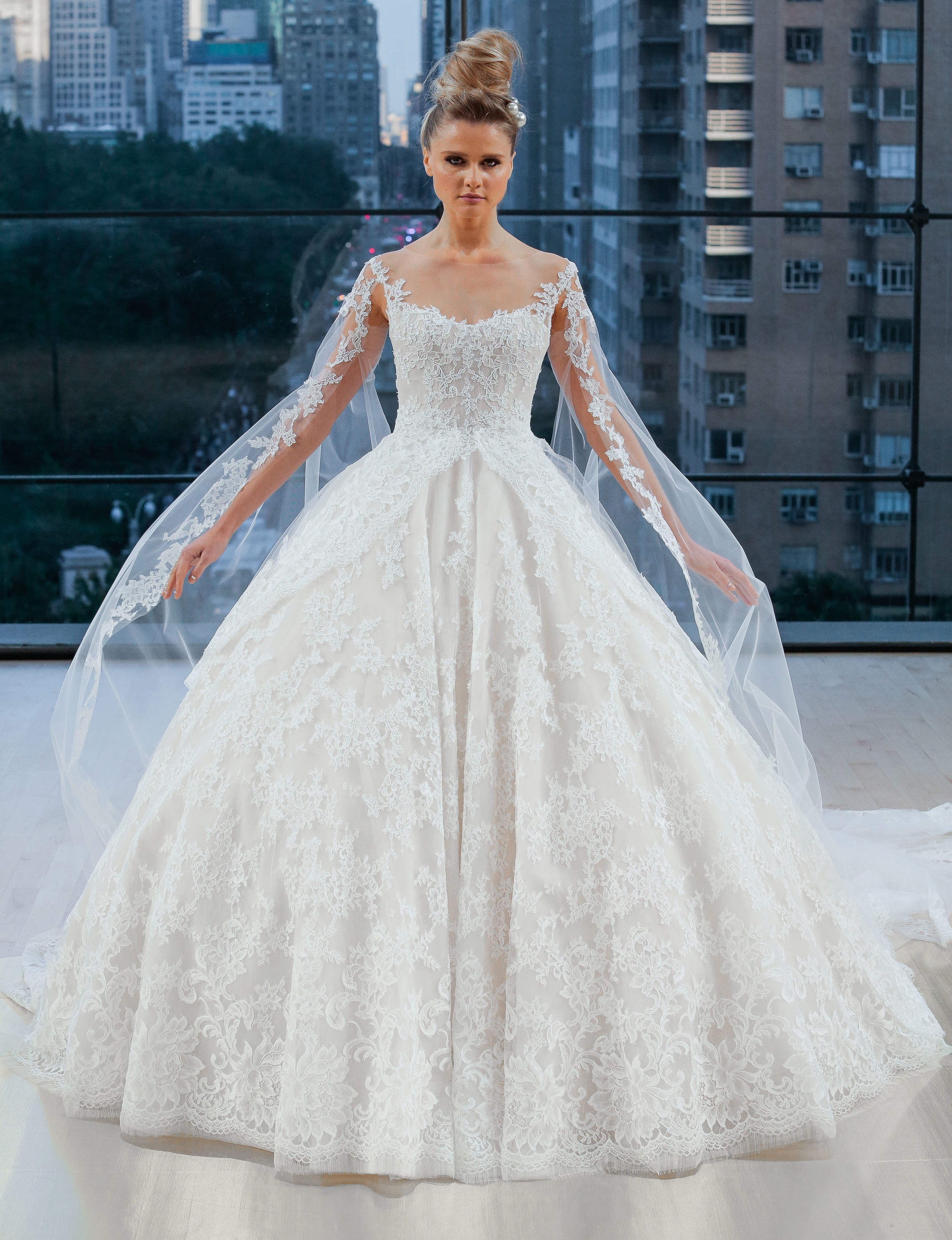 Bridal Fall 2018 Couture   VANDERBILT    INQUIRE