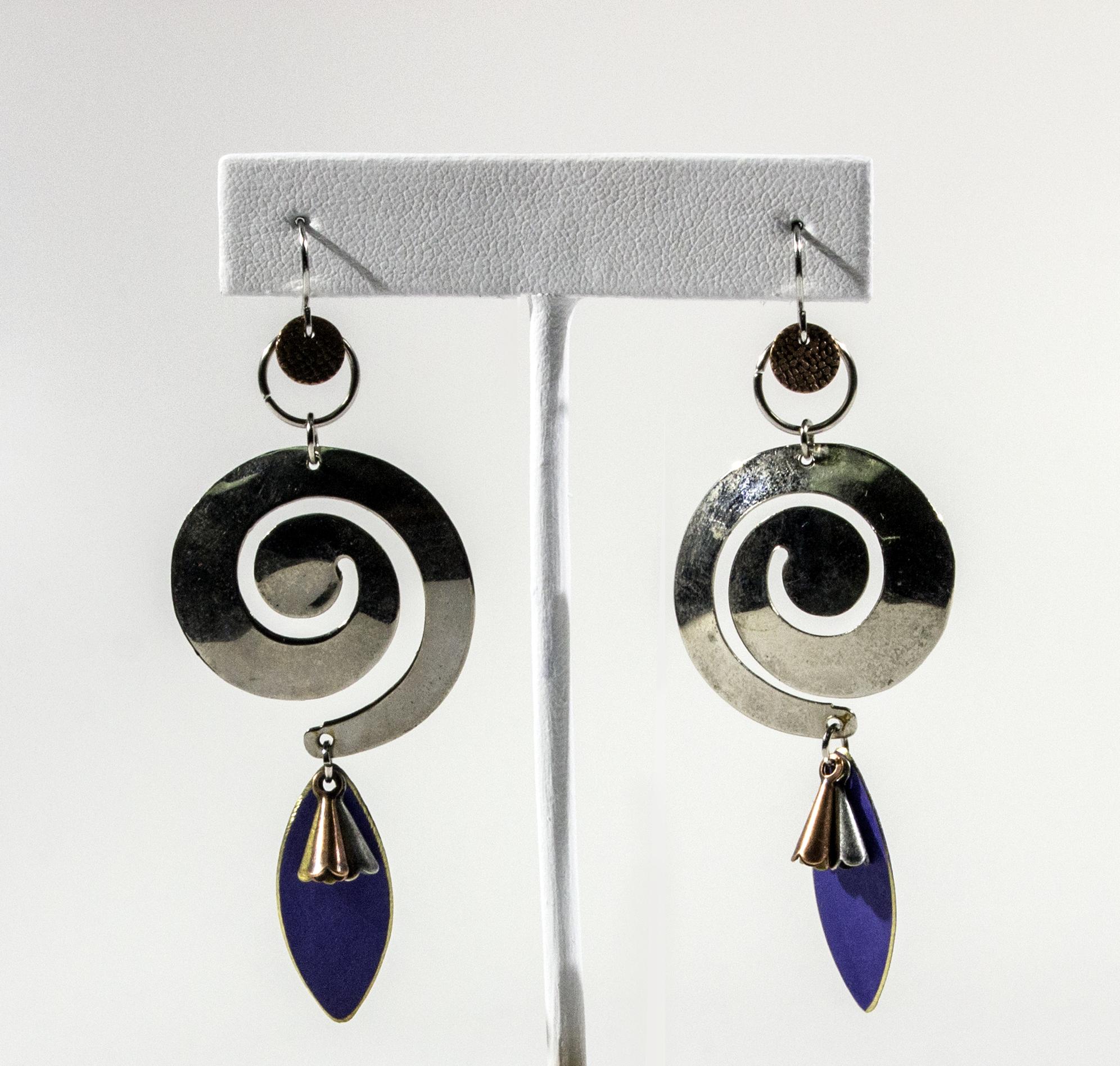 Multi-ring earrings. 2018.