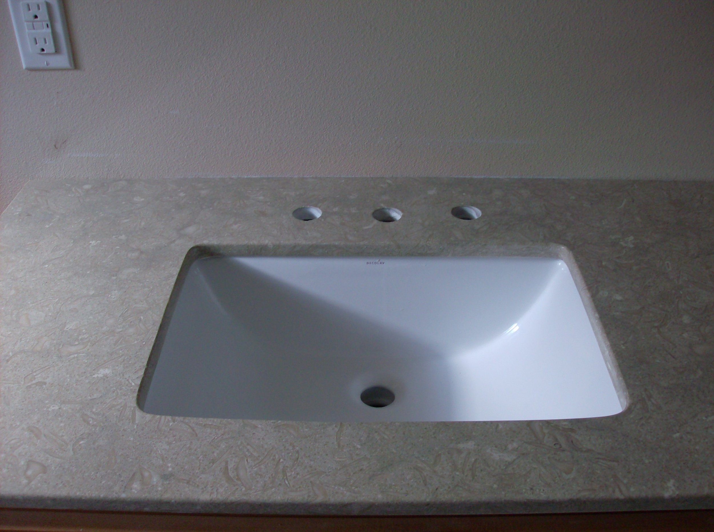 sink pic 2.jpg