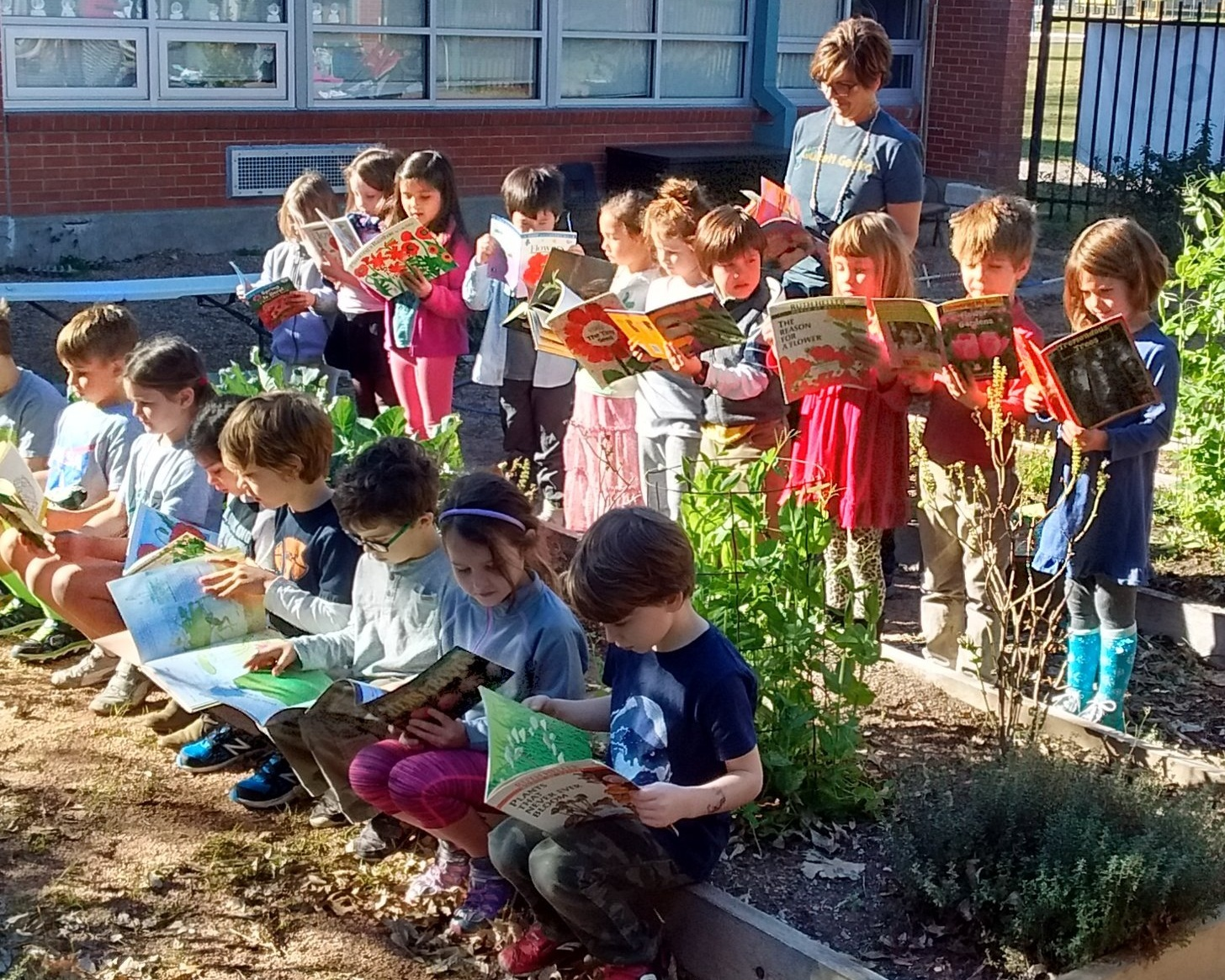Welcome - So many things make Gullett our favorite school to learn and grow! Furry & scaly animals, classroom gardens & reading for a worthy cause are just a start.Learn more ➝For the latest Gullett news, join Konstella.