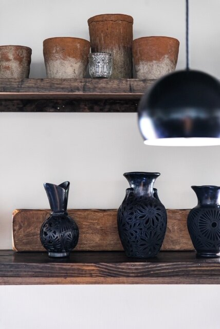 black clay vase and piconcilo mold.jpg