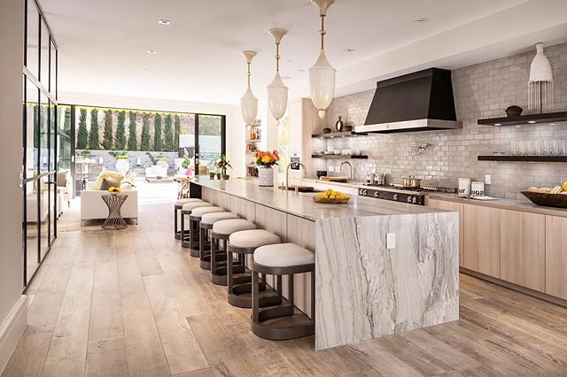 The kind of kitchen that brings everyone together. Designed by our talented @dixiedhurst | Turning your average spaces into masterpieces adding essential value for our sellers. #TeedandCo #TopNotch #EntertainingSpace #DreamKitchen