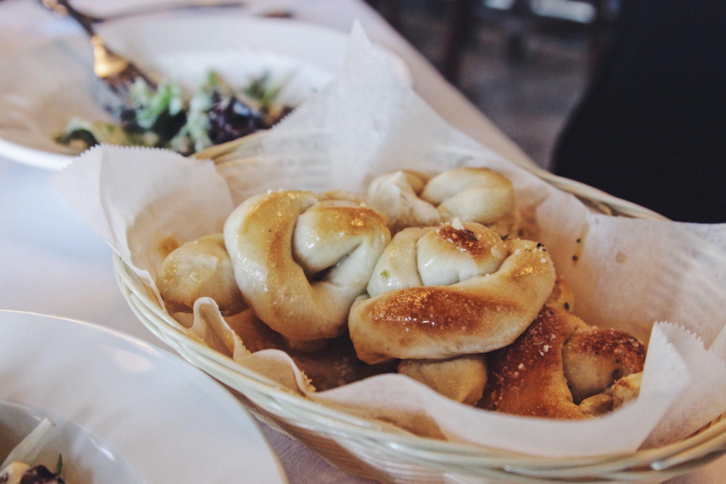 Garlic knots.jpg