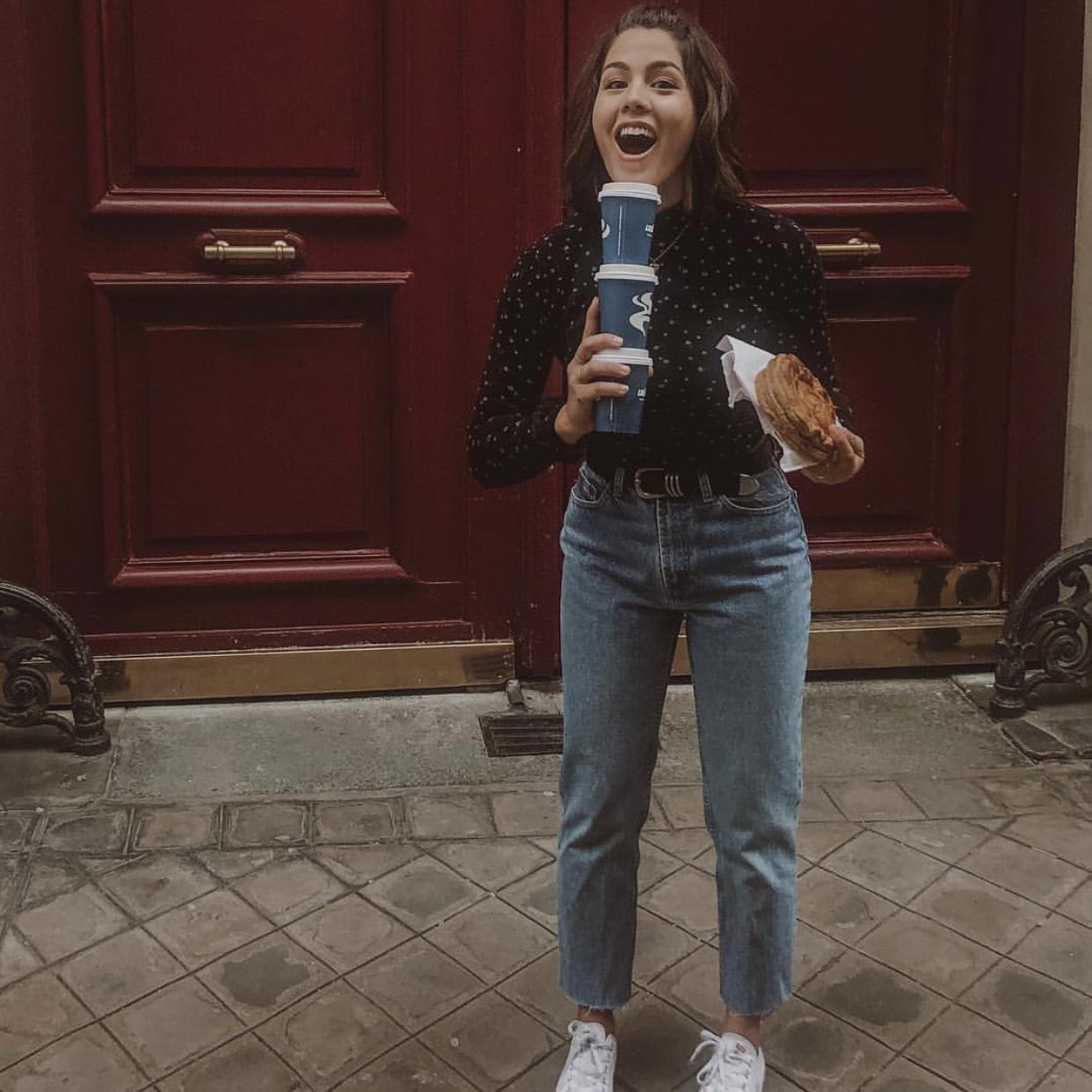 what i'm wearing: - Turtleneck: Brandy Melville - SimilarBelt: Urban Outfitters - SimilarJeans: GAPShoes: Converse