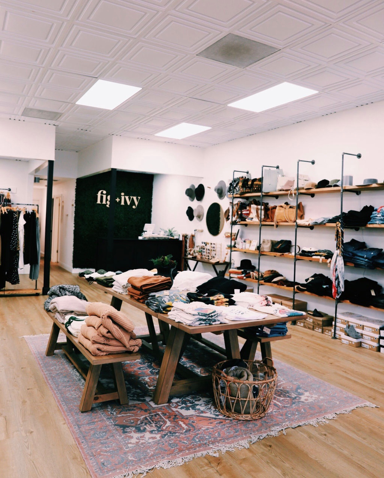 Roseville, California vintage retro boho fashion boutique Fig + Ivy Collective offers size-inclusive clothing to empower and uplift women of all shapes and sizes