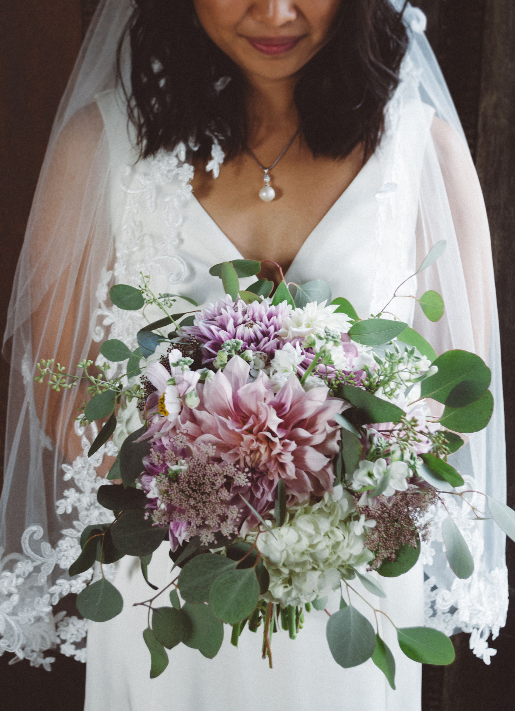 Northern Colorado bride with dahlia bouquet.
