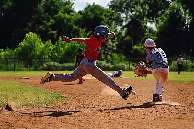 It was a bang-bang play at first in an 8 U  game between the Expos and All-Stars yesterday, during the third annual Bust It and Boogie Tournament at The Complex in Purcell Oklahoma.  The tournament, for 8 U and 12 U teams, started at 8:30 in the morning and concluded just before dark. 📸: @jeanfruthimages. #GrassrootsBaseball #Route66