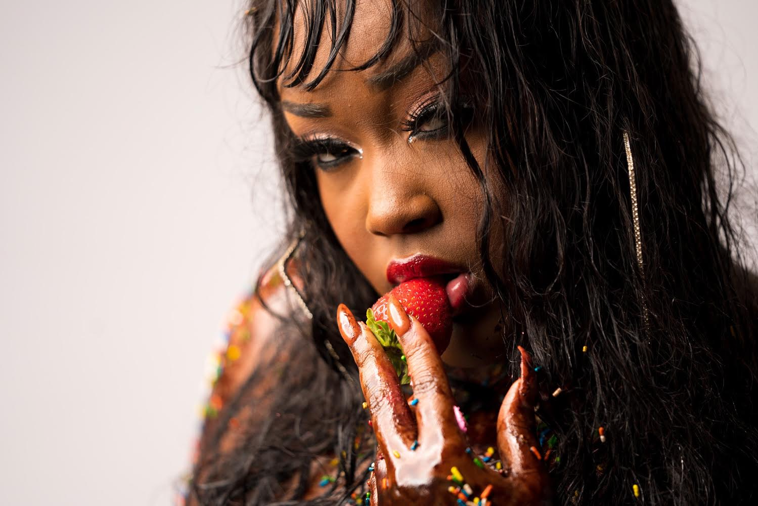 cupcaKke - Bold and outspoken Chicago rapper CupcakKe achieved viral success and critical acclaim with her brazen, unapologetically explicit songs and videos that channeled the likes of Lil Kim, Foxy Brown, and Gangsta Boo. She debuted in 2016 with a pair of raunchy EPs and a full-length, Audacious, following with the critically-acclaimed Queen Elizabitch (2017) and Ephorize (2018).