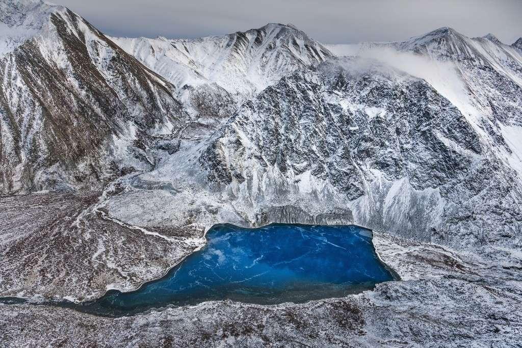 Photo By Paul Nicklen Deceiving Beauty   Yukon, Canada
