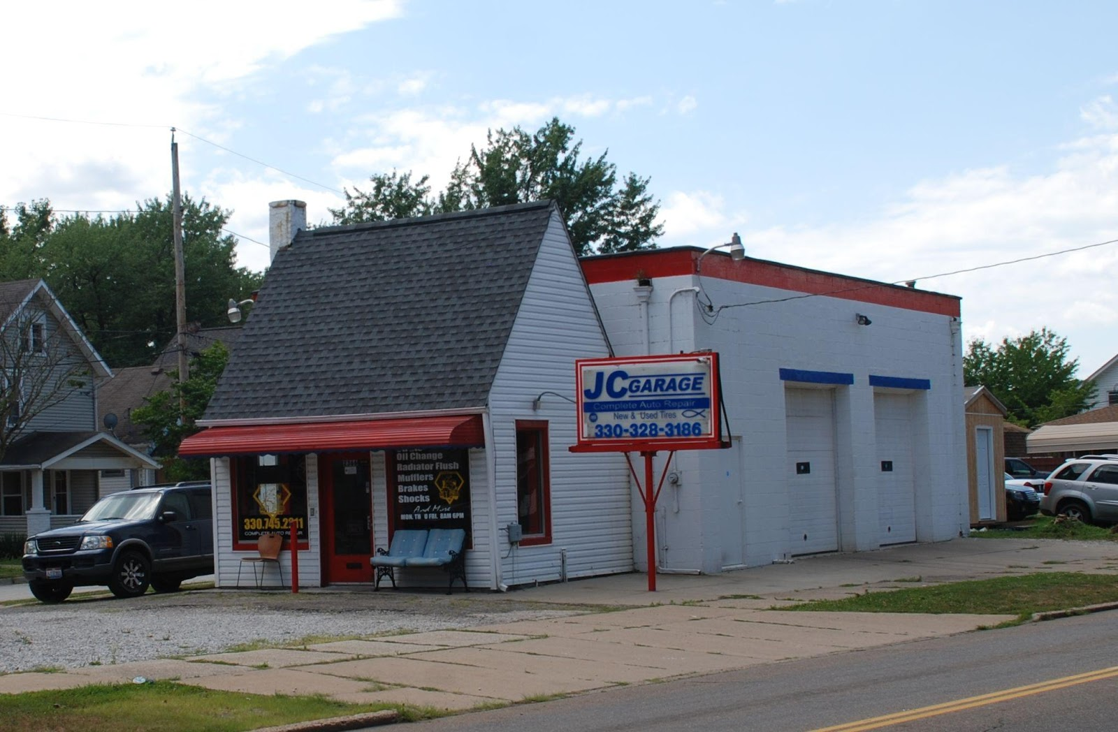 JC Garage located at the triangle intersection of Wilbeth Rd, 27th St and Kentucky Ave. formerly Ramsey's Sunoco Gas Station in the 1940s.