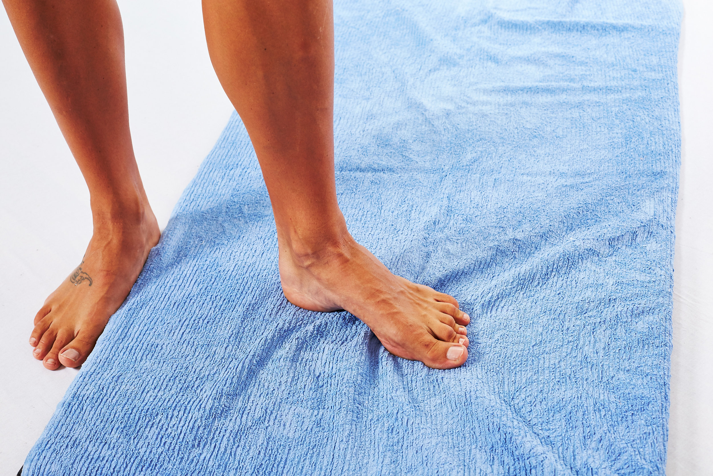 feet-towel-scrunch-when
