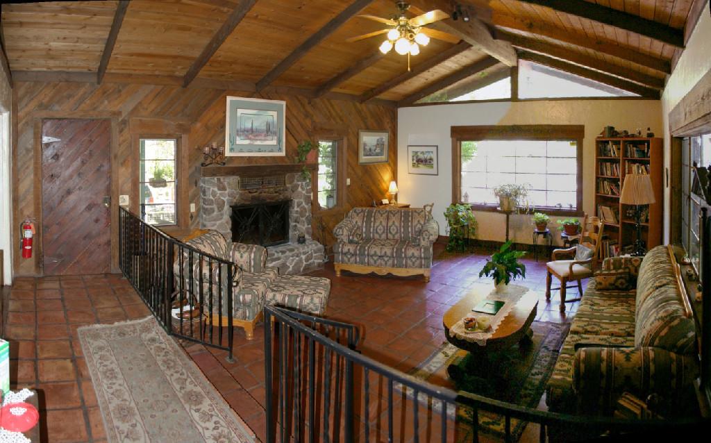 Ramsey-Canyon-Inn-lounge3.jpg