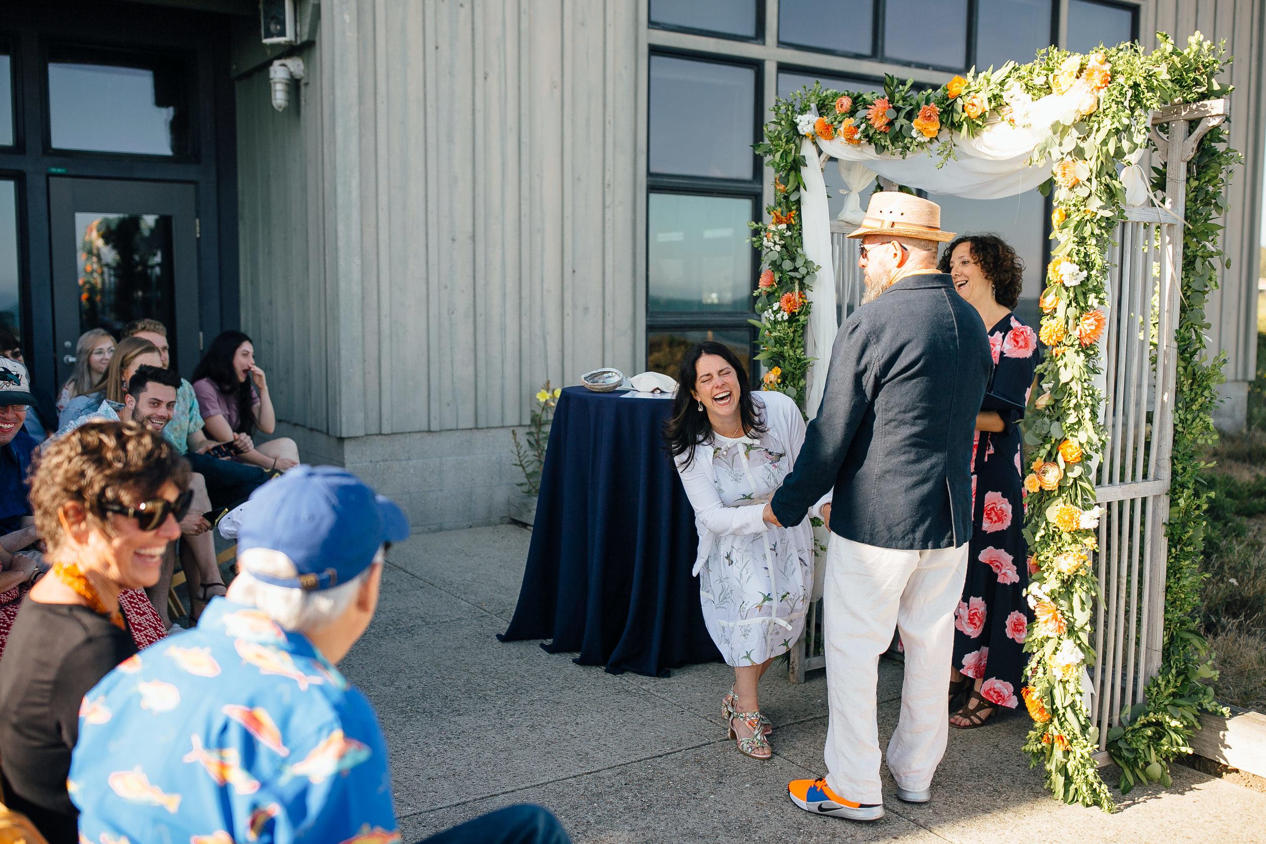 Wedding_E&M_SneakPeek_18.jpg
