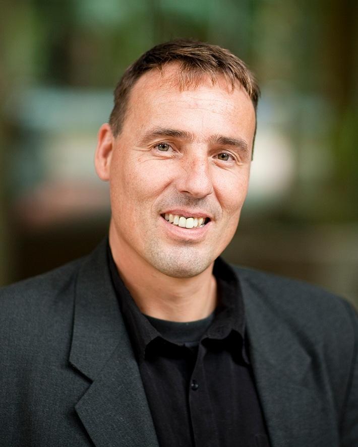 Prof Ernst Wolvetang - University of QueenslandCellular reprogramming