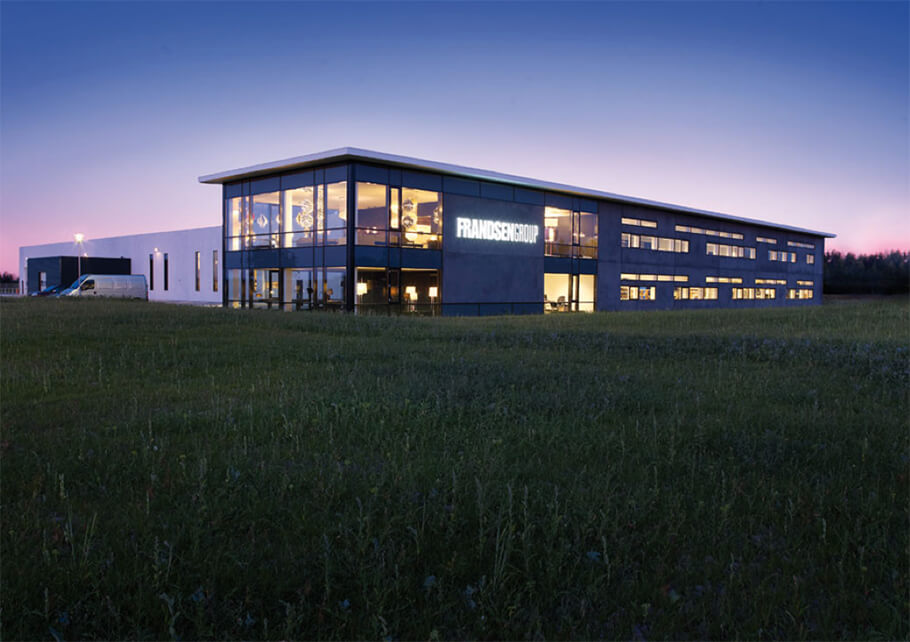 2009: New Headquaters - FRANDSEN GROUP moves to new headquarters – 6,000 square metres in Horsens, central Denmark – built for the sum of 43 million kroner.Private label production sees significant growth in Danish and international furniture chains, especially BoConcept, Bolia, Idé Møbler and ILVA.