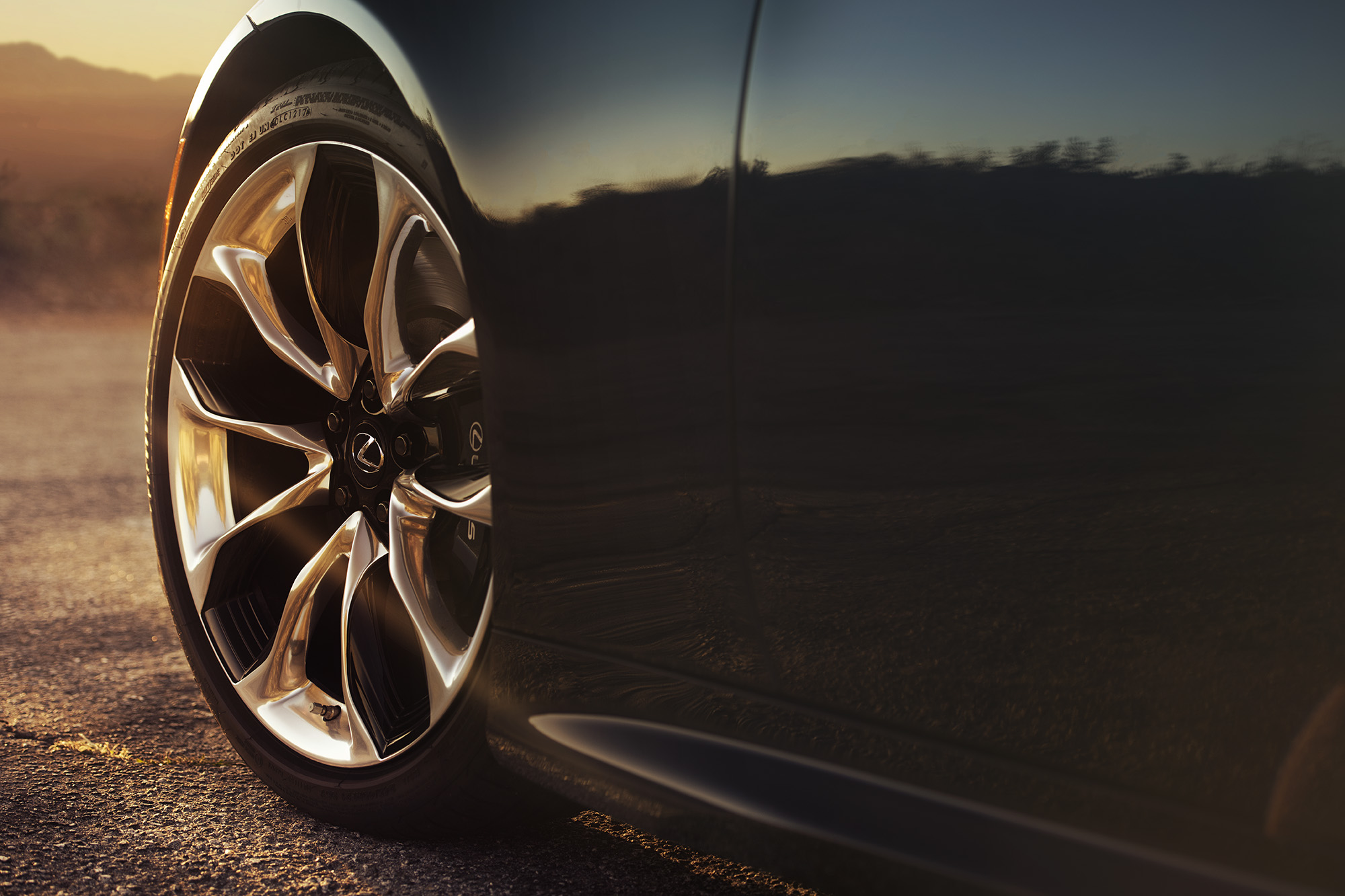 lexus Wheel detail.jpg