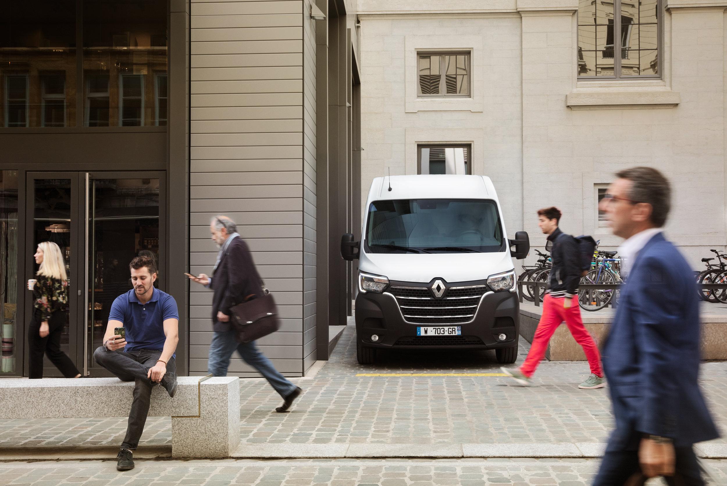 Renault - Master Red Trucks brochure