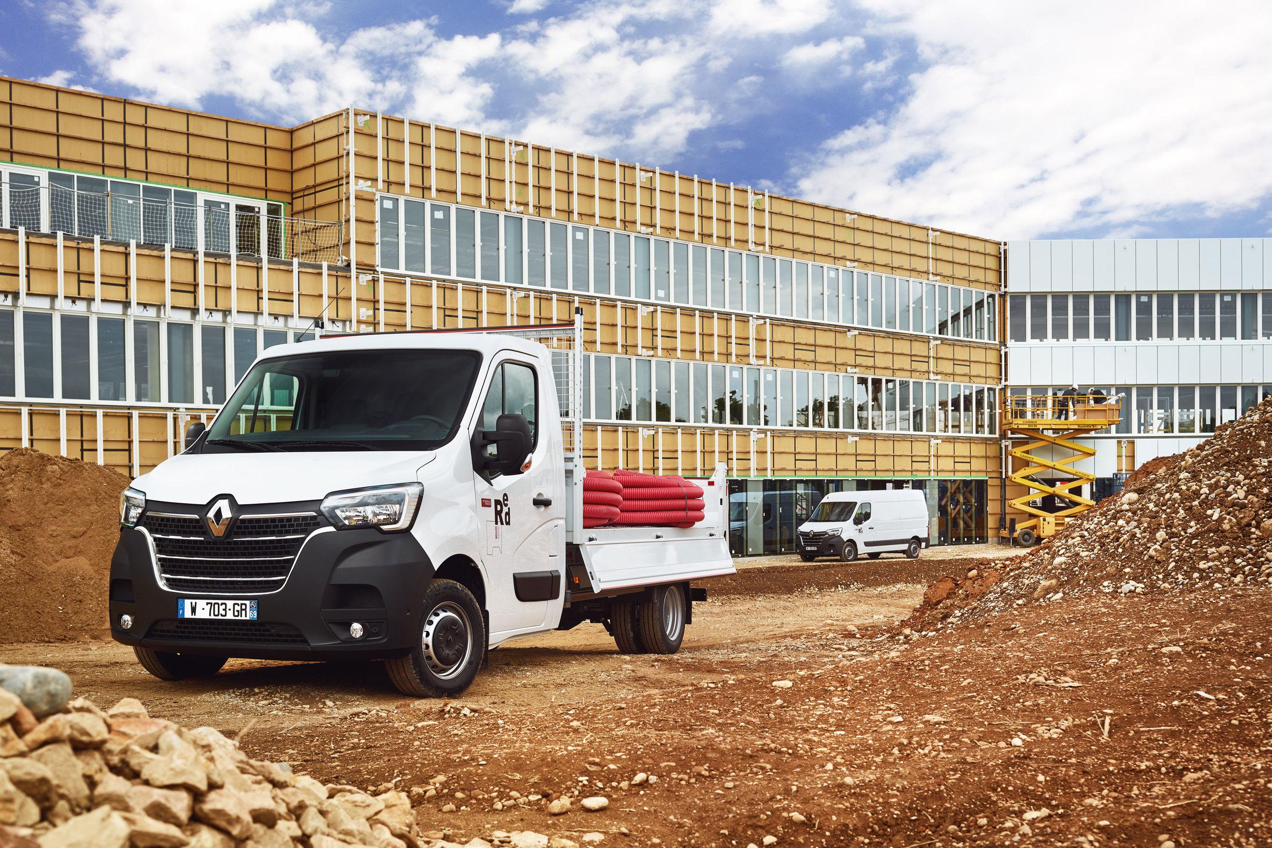 Renault Master 'Red' -