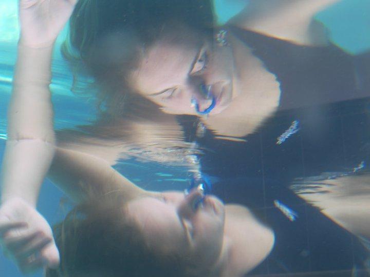 WasserTanzen - ich wünsche jedem diese Schwerelosigkeit, Geborgenheit und Stille zu erleben mit ganz tiefen Momenten des Seins    WaterDance - I wish every being to experience these deep sensations of lightness, weightlessness, security and peace under water
