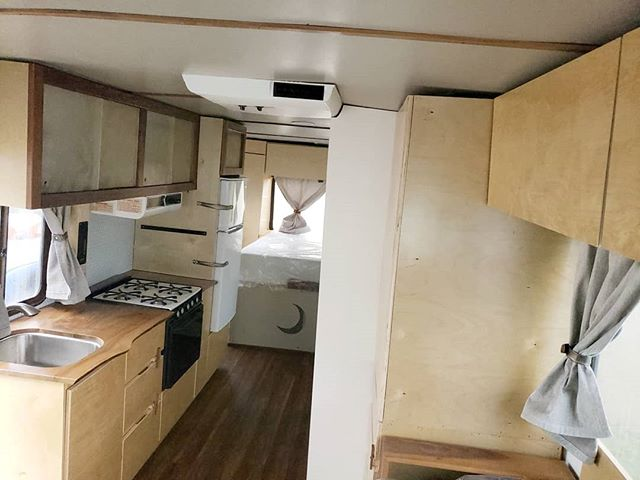 Look at how much brighter and airy it is in our tiny home compared to the before! 😍 . Look st that wide open counter space. Tons more upper and lower storage. It's just amazing. . Have you had any setbacks in your RV renovation or van build? Tell us your hiccups to be featured in our next blog post 👇🏼 . . . #rvlife #rvlifestyle #rvlifers #tinyhouse #tinyhome #rvrenovation #fulltimerv #fulltimervers #fulltimerving #fulltimerver #rvtravel #happycamper #homeonwheels #tinyliving #outboundliving #outside_project #campeveryday #openroadlife #livingtinyproject #takemoreadventures #breakawaytales #breakawaydiaries #findyouraway #gorving #rvinspirationphoto #rvinspiration #rvlifeclub #tinyhomelivingsolutions #smallspace #cozyonwheels