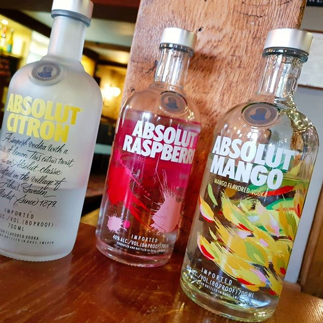 Absolut Juice Edition vodkas - a true fruit taste sensation with every sip. Made with juice from seasonal fruits to celebrate the seasons. Delicious 😋 #Cheers #AbsolutVodka #drinks
