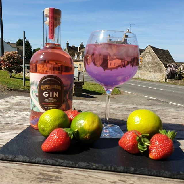 Enjoy the sunshine with a deliciously fruity Koppaberg Strawberry & Lime Gin - and double up for £1.50 ☀️ subject to availability; when it's gone, it's gone ... #keepcool #sunshineflavours #KoppabergGin