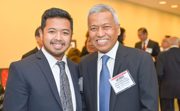 2014 Fellow Mr. Naif Yusoff of Brunei Darussalam (left), with His Excellency Dato Paduka Haji Yusoff Haji Abdul Hamid