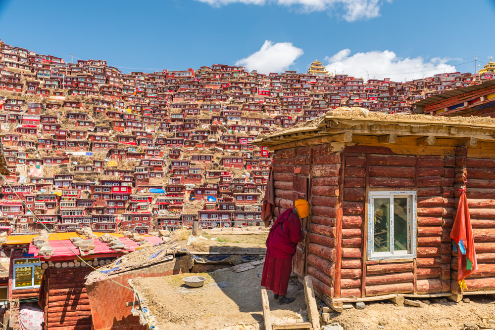 Homes of monks and nuns in Larung Gar (Jesse Rockwell)