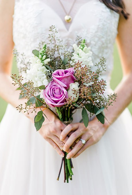 2015_bridescom-Editorial_Images-01-Posy-Wedding-Bouquets-Large-Posy-Bouquets-Caroline-Lima.jpg