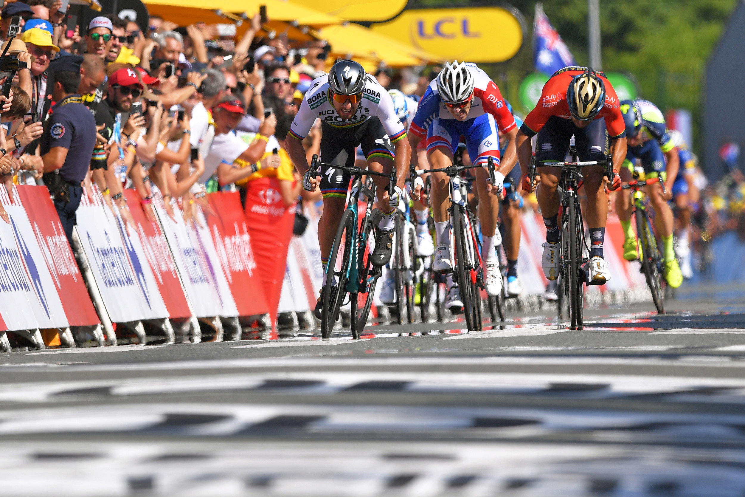 A sprint finish (Getty Images)