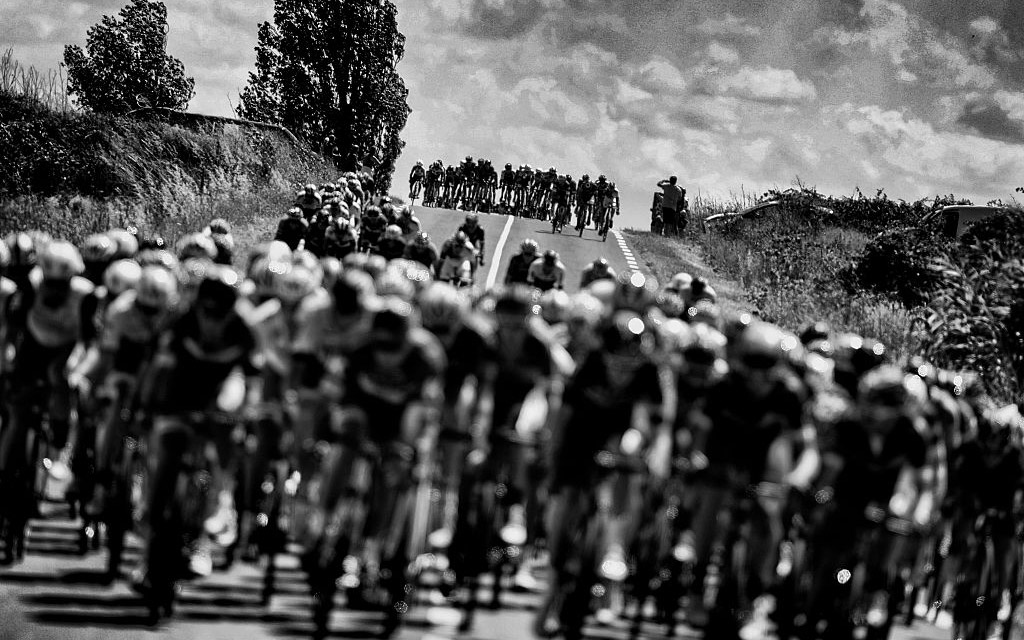 Echelons at the Tour de France (Getty Images)