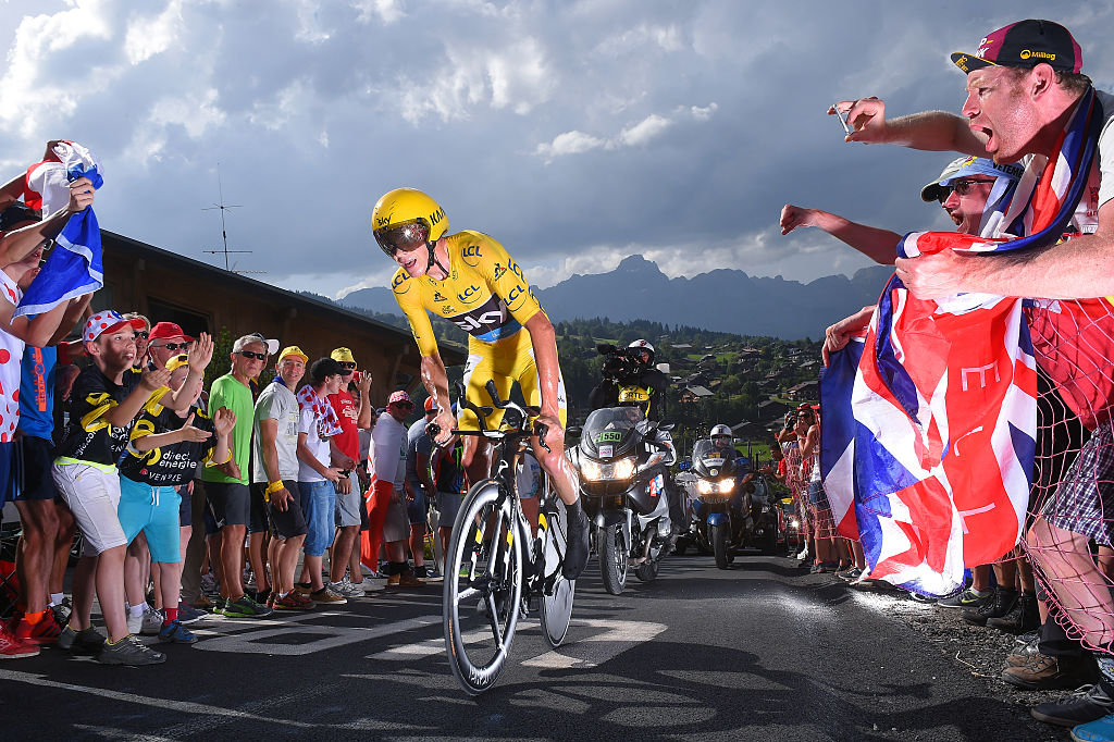 Chris Froome rides a time trial in 2016 (Getty Images)