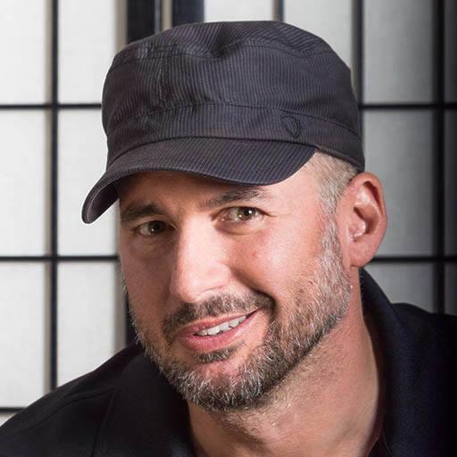 Giancarlo Lari headshot 2.jpg