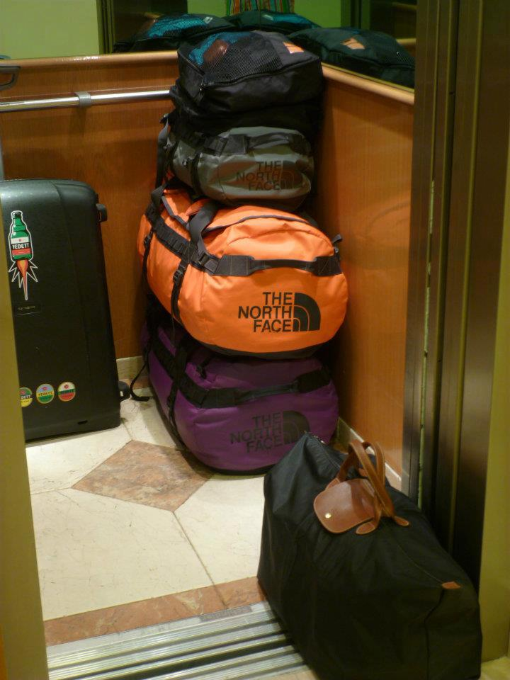 This was the bagage for one week of Malaga with my sister and her boyfriend or a perfect example of how you should not pack :-)