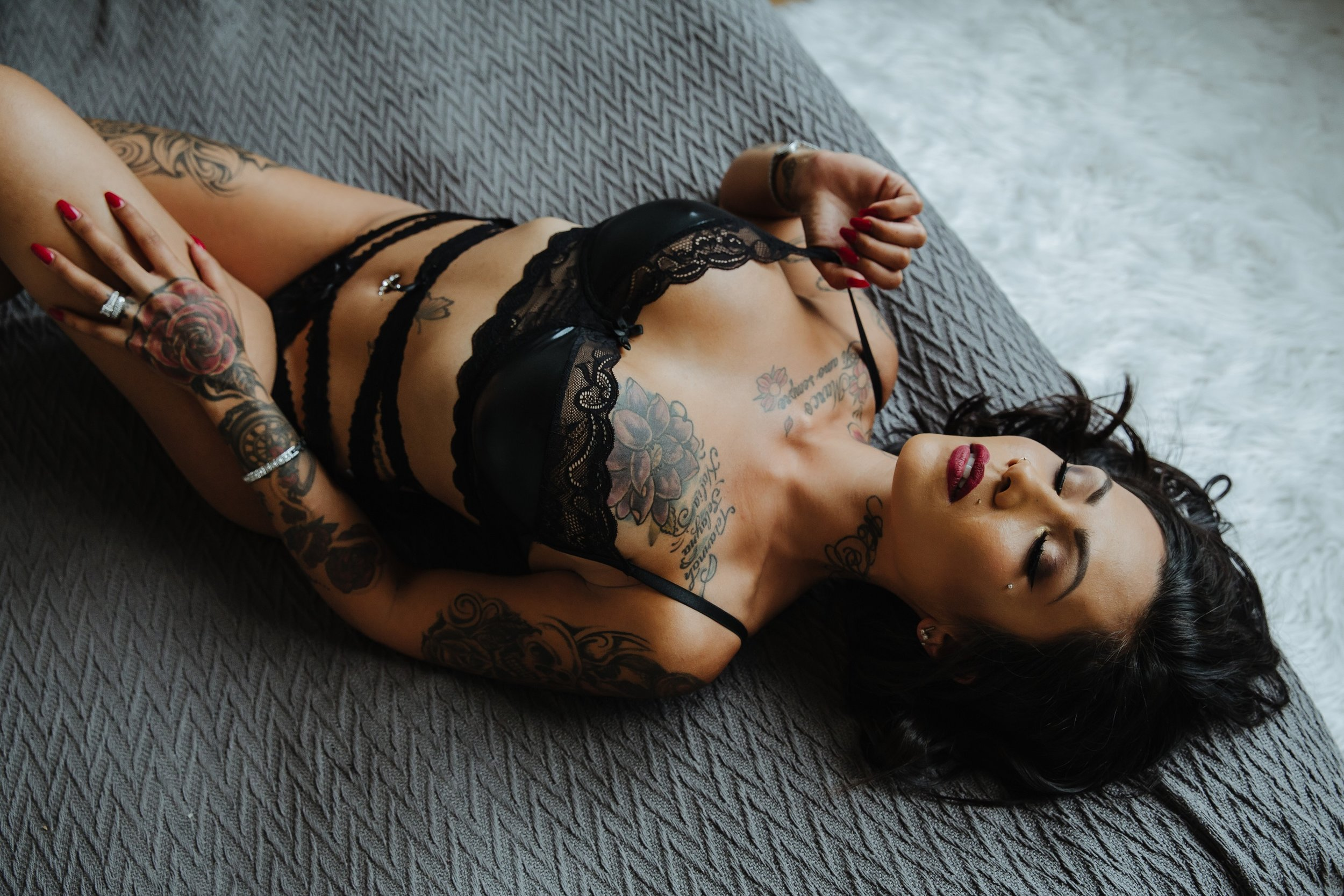 Boudoir Sessions - Boudoir is SUPER personal, which is why I ALWAYS offer FREE consultations in my Winnipeg Exchange Studio. Come down, have a chat, see if I'm the right fit!Intimate boudoir sessions start at $575+tax and include a professional glam team.